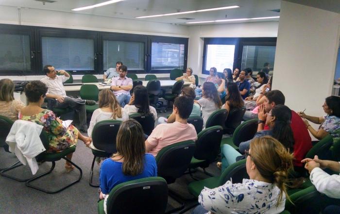 Primeira roda de discussão do ano debate programas de residência da FESF-SUS