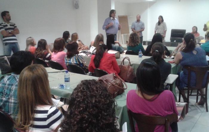 Reunião com os trabalhadores vinculados ao PNH