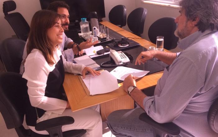 Diretor Geral, Carlos Trindade, assina contrato de cessão de imóvel com a União